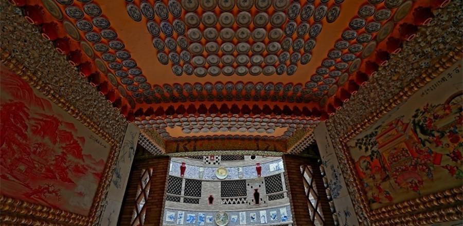 86岁老太自筹600万打造瓷宫 收藏6万多件瓷器