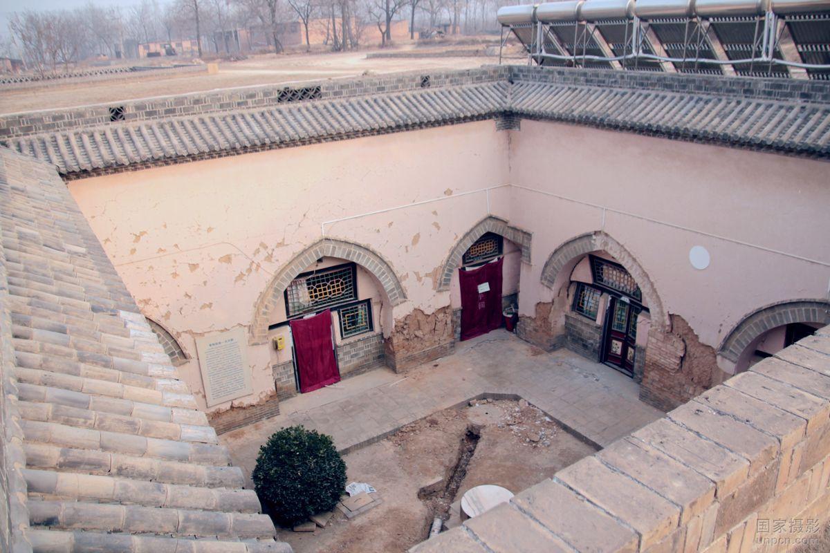 中国最神秘的村庄 - 地坑院